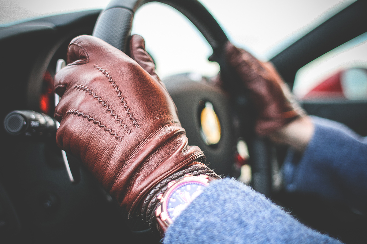 http://manufactura.bold-themes.com/main-demo/wp-content/uploads/sites/2/2017/05/gloves-highlight.jpg